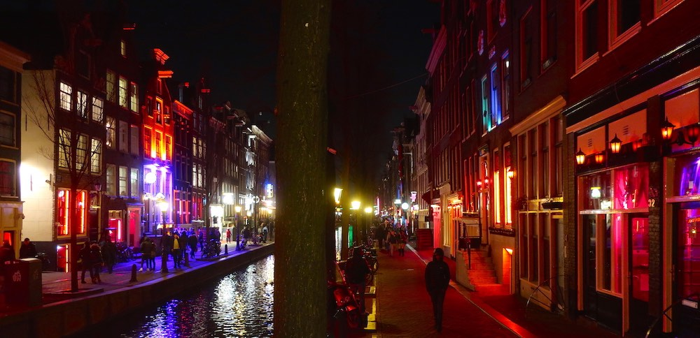 amsterdam red light district prices hotels