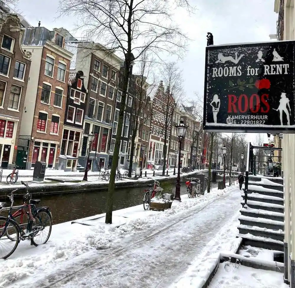 amsterdam snow red light district
