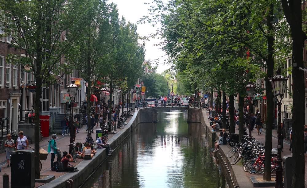 Oudezijds Achterburgwal in Amsterdam