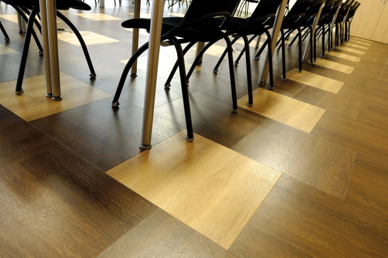 Honey Oak: Commercial LVT Flooring from the Amtico Spacia