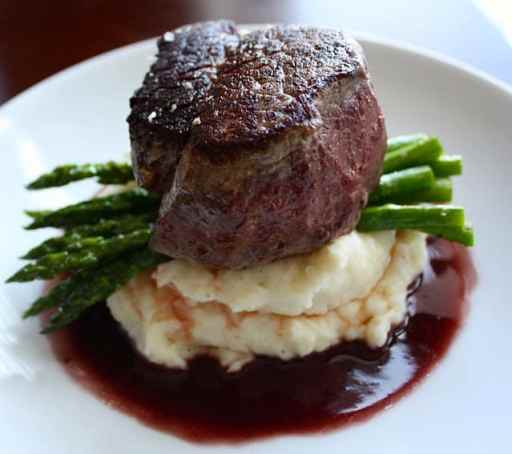 How to make fantastic red wine sauce