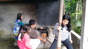 Roasting Luwak coffee  How To Manage Your 3 Day Holiday In Bali 20140808 164134