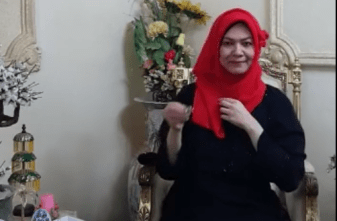 amuslima styling your hijab with sister Qathrunada  Hijab Tutorial Video : A Nice and Easy Way to Wear Hijab with Scarf Screen Shot 2015 02 16 at 11