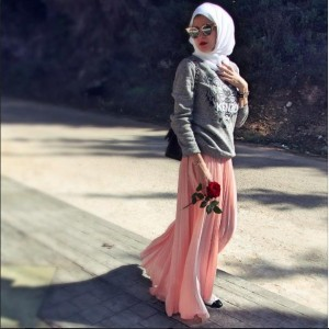 Maxi Skirt + Sweater. Sporty Style The Art of Wearing Hijab The Art of Wearing Hijab Part 3: Casual Styles spoty style
