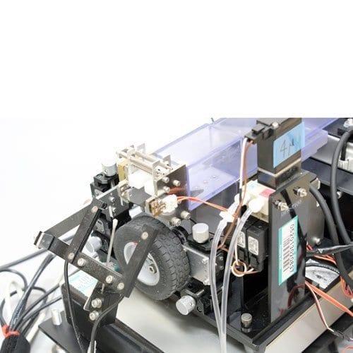 side view of self-restraint platform