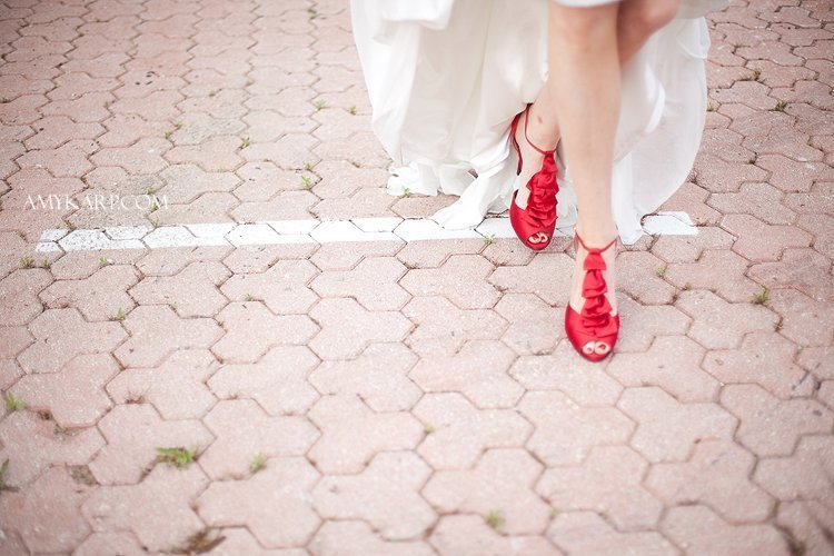 dallas wedding photography at the Maple Manor Hotel by amy karp