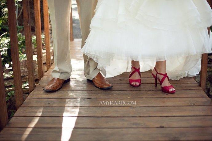jeff corbit and christine garner wedding at A & M Gardens in Azle Texas by Dallas Wedding Photographer Amy Karp Photography