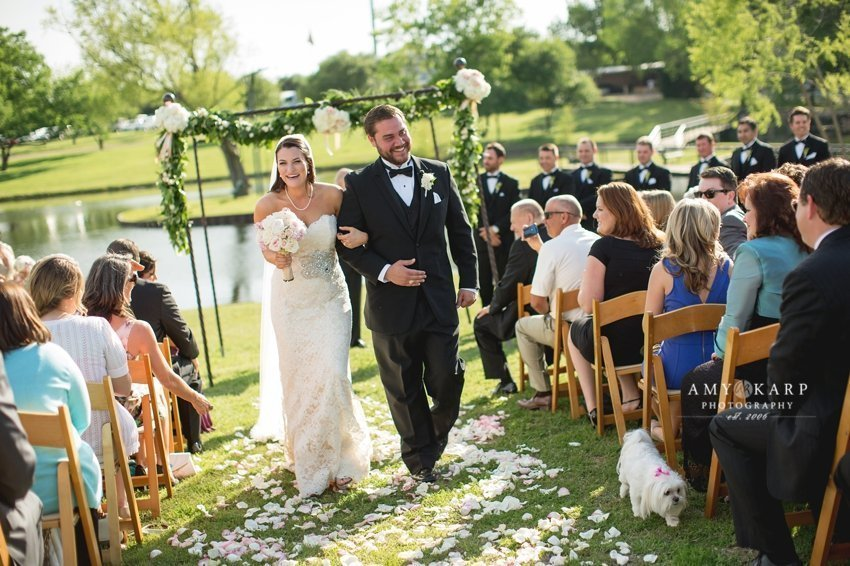 dallas-wedding-photographer-outdoor-wedding-kara-danny-026