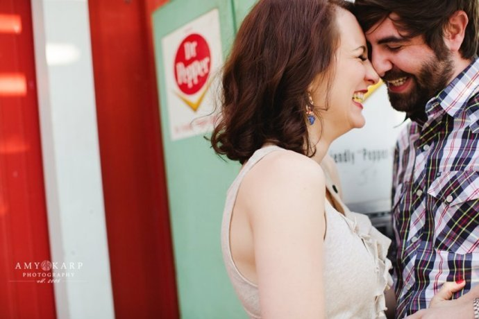 dallas-wedding-photographer-truck-yard-engagement-session-jill-chad-01