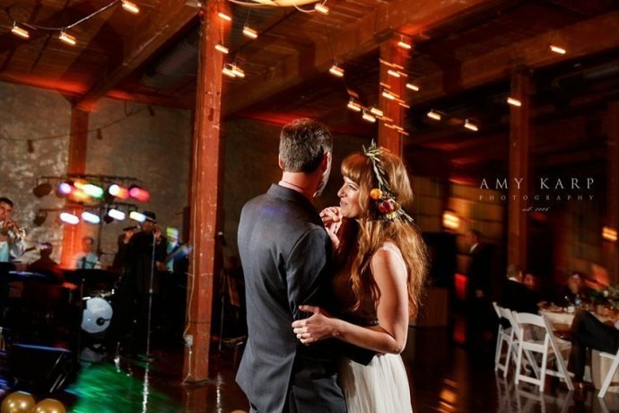 mckinney-cotton-mill-wedding-by-dallas-wedding-photographer-amykarp-ashley-aaron-45
