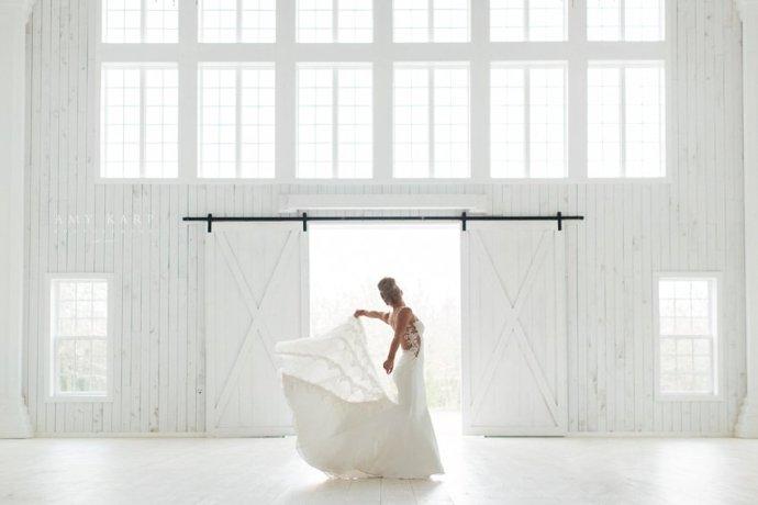 dallas-wedding-photography-white-sparrow-barn-bridal-portraits-01