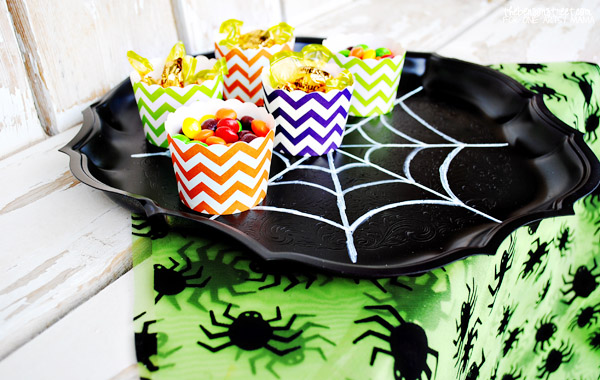 Easy and Fun Spider Web Tray
