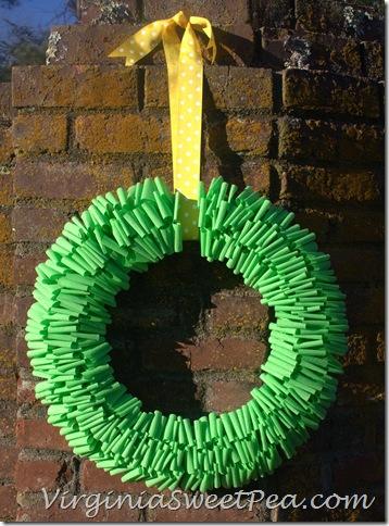 Crepe-Paper-Wreath1_thumb