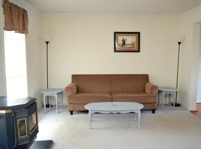 livingroomroosterbefore