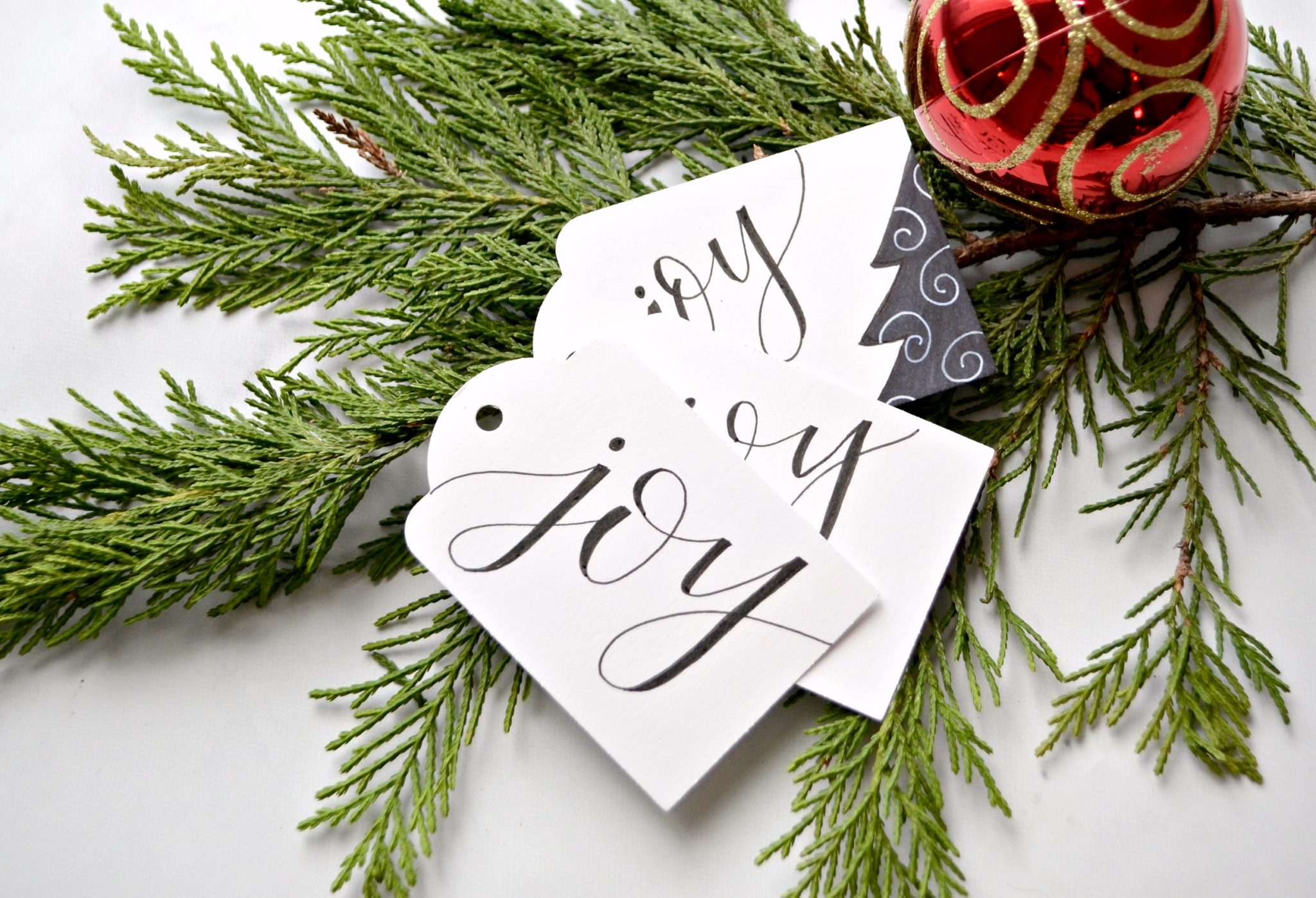 Free Printable Hand Lettered Gift Tags + Tutorial