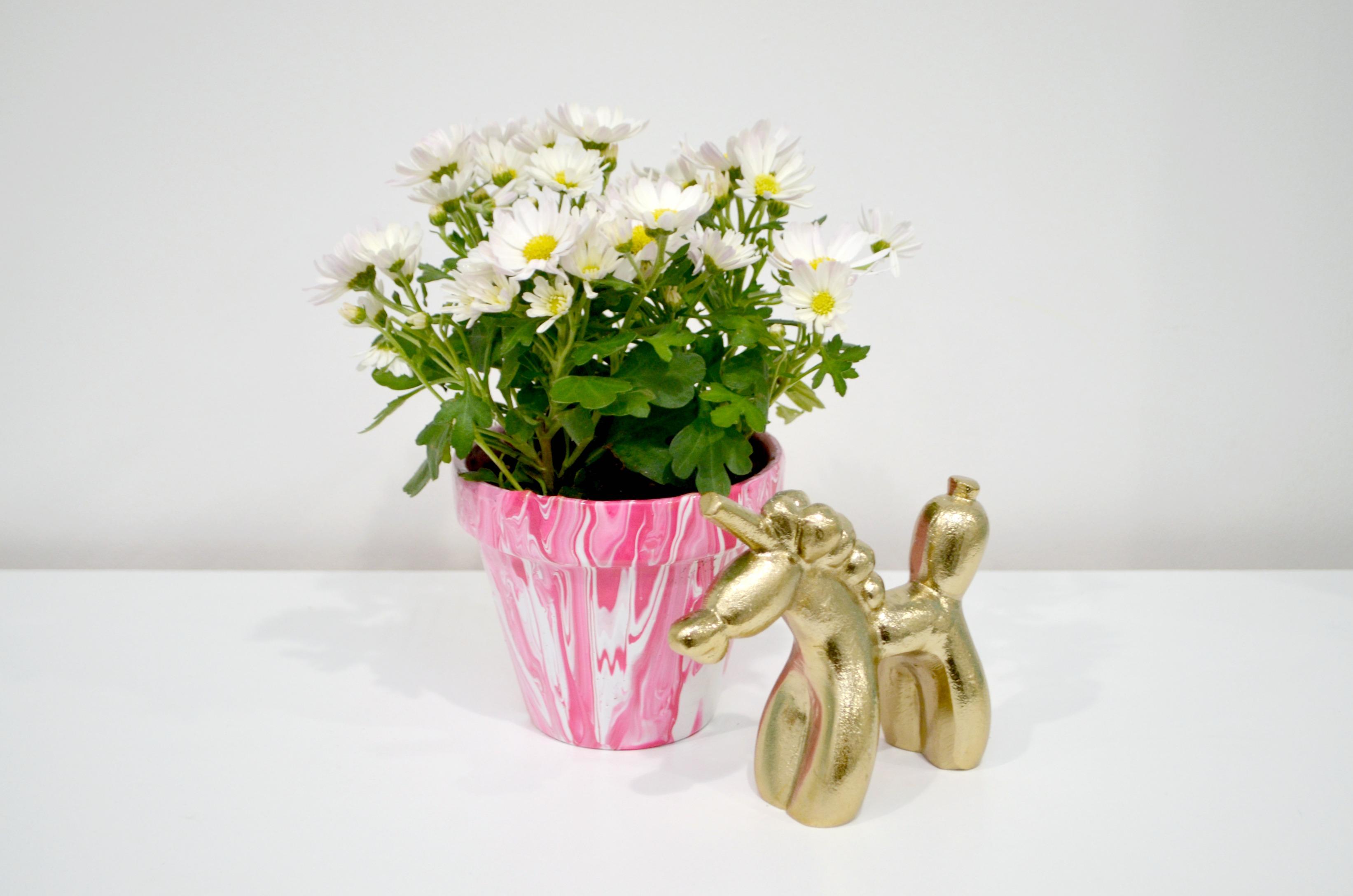 Paint Pour Marbled Flowerpots