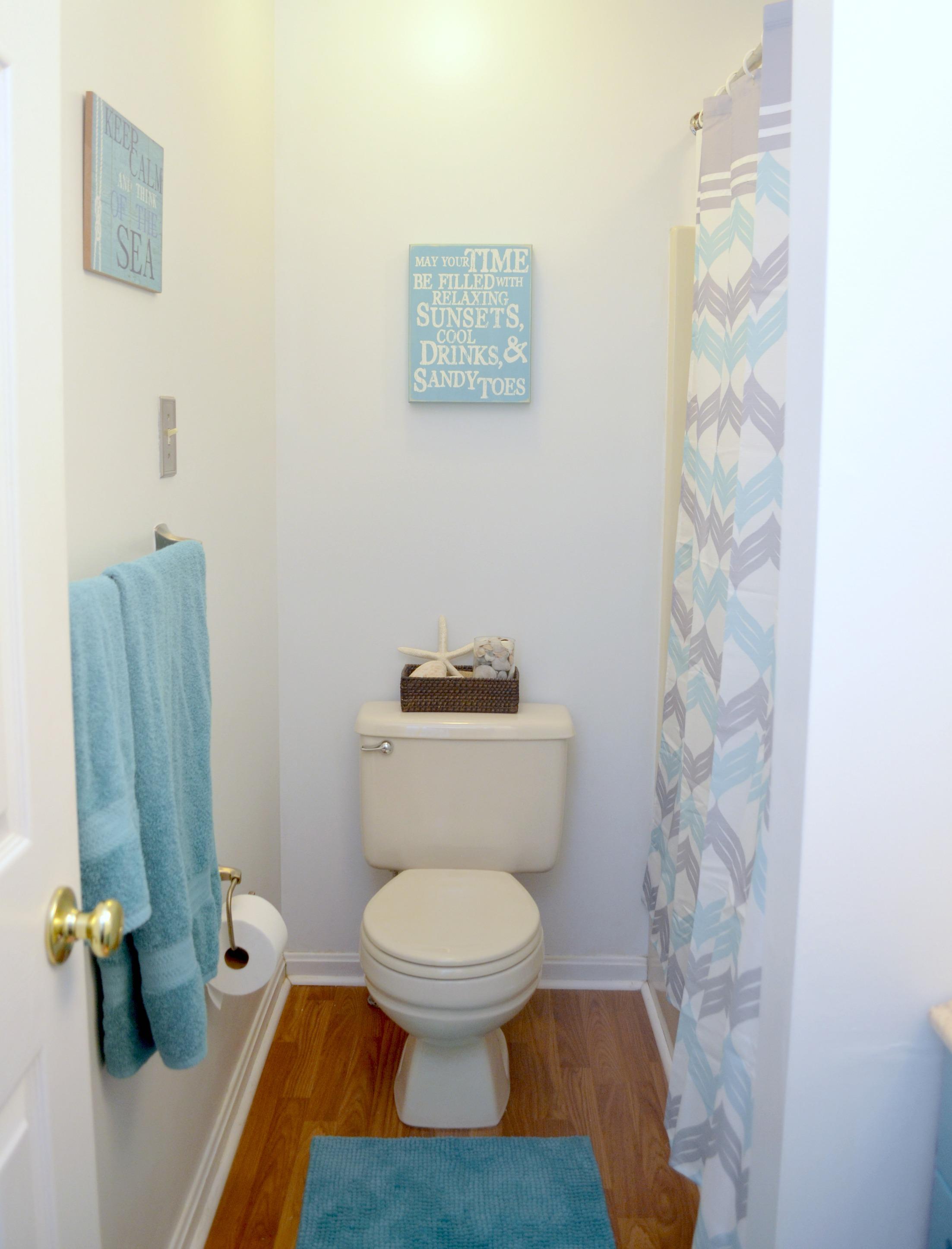 Coastal Farmhouse Bathroom Makeover