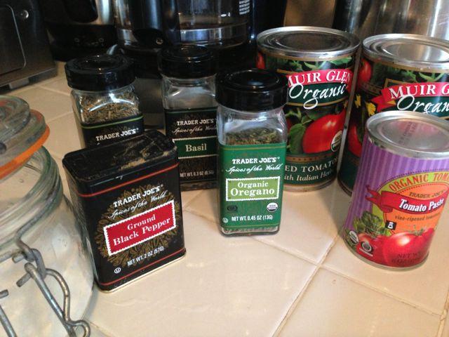 ingredients to make spaghetti sauce