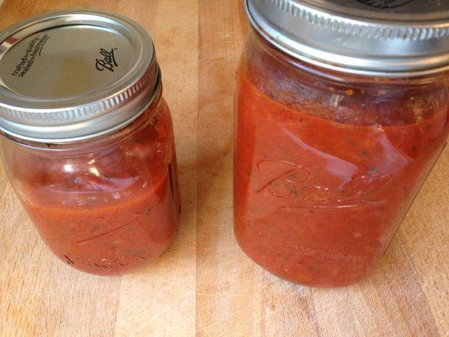 spaghetti sauce in mason jar
