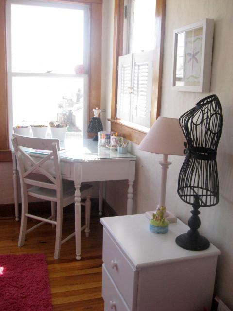 Corner desk in room