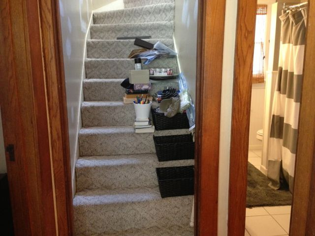 Organizing clutter on the staircase