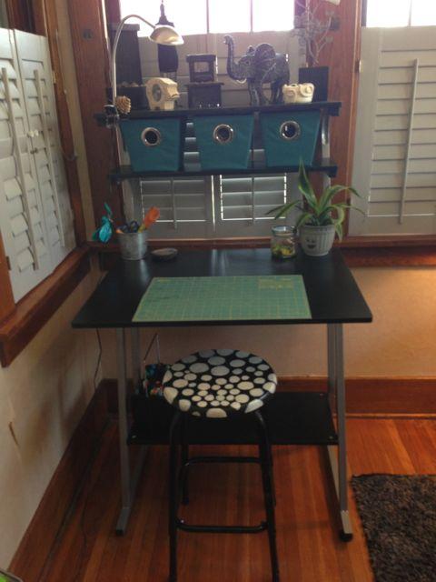 Desk for crafts