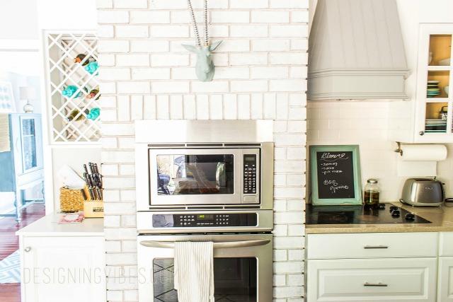kitchen-oven-and-hood-watermark