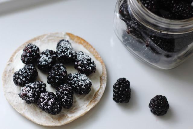 Blackberry Cream Cheese Sandwich Thin Round