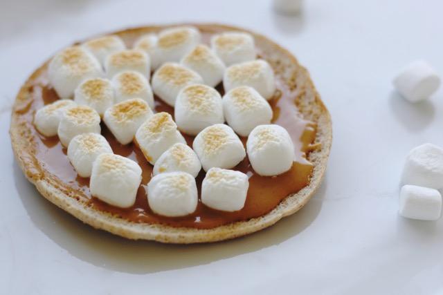 Peanut Butter Marshmallow Cloud Sandwich Thins Recipe