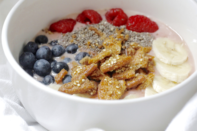 Smoothie-Breakfast-bowl-Breton