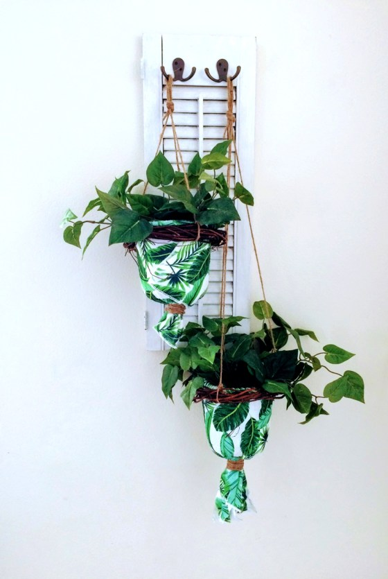 Make a hanging planter for under five dollars!! This was so easy and only took me about 30 minutes. Tutorial available at www.amysarttable.com