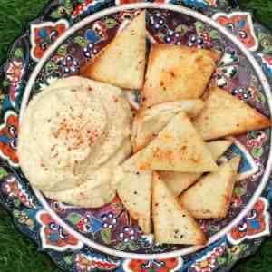 pitta crisps and hummus dip
