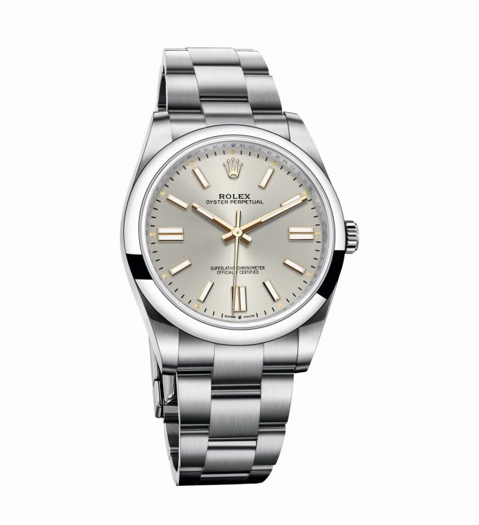 Oyster Perpetual 41 in Oystersteel with silver dial e1607280746348