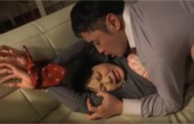 【なつめ愛莉】夫の同僚に犯罪SEXされる新妻眠らされた夫のすぐ側で、妻は両手を縛られて犯された