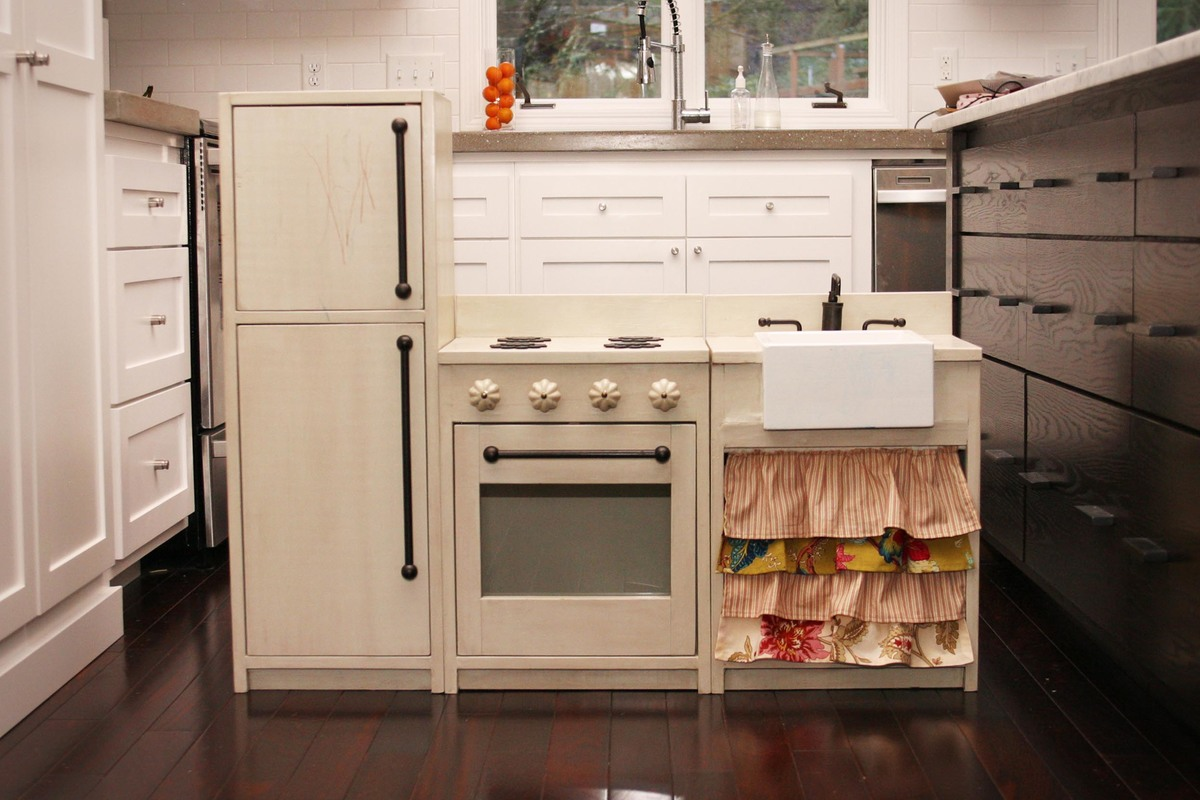Ana White  Kates Play Kitchen  DIY Projects