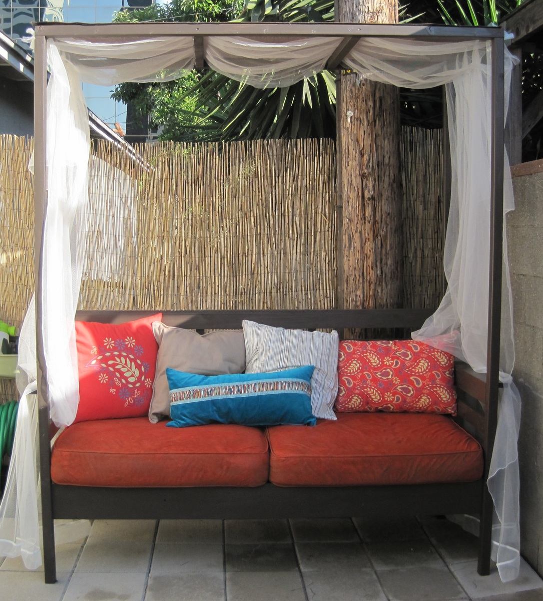 diy daybed sofas reclining sectional canada outdoor sofa with canopy ana white