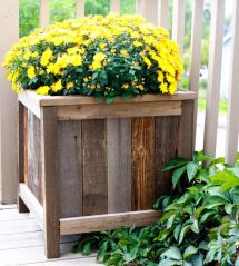 Ana White Upcycled Cedar Planters - Diy Projects