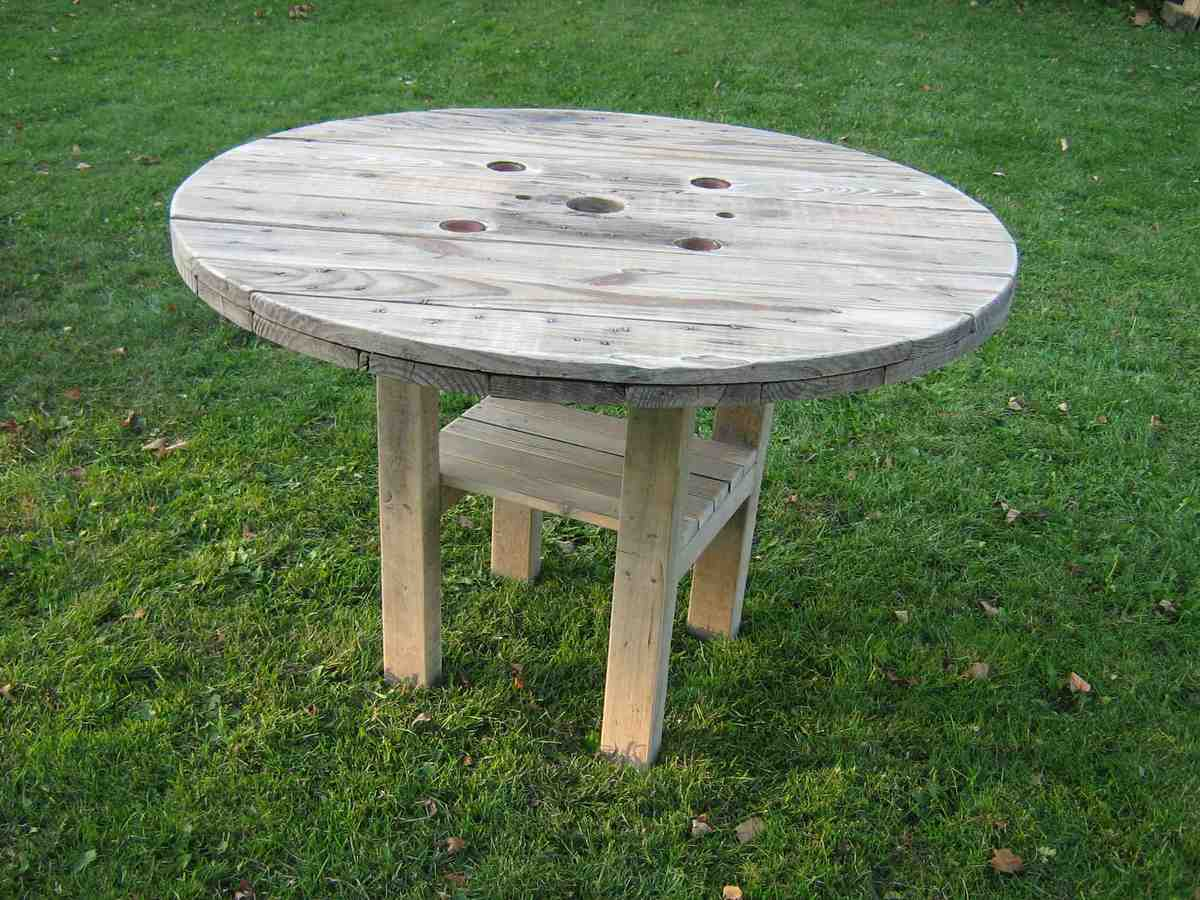 rustic patio table ana white