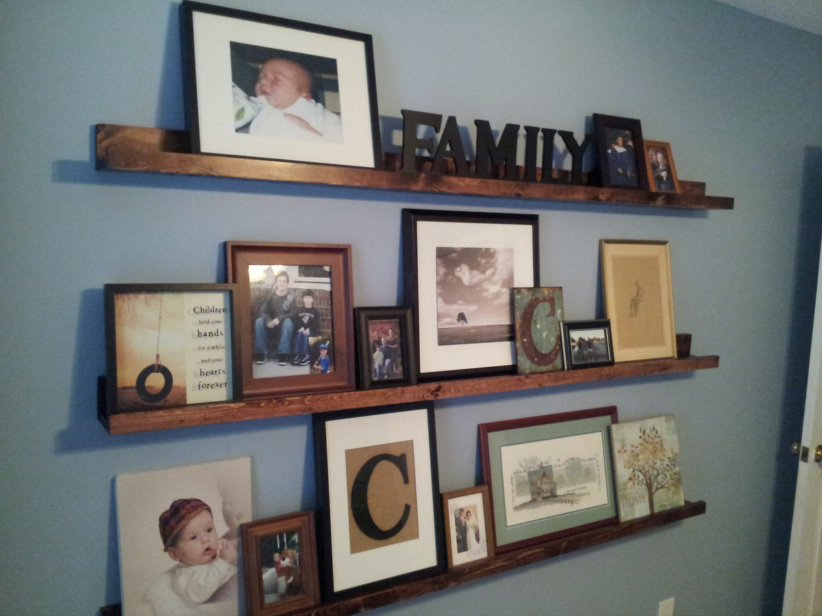 Ana White  Matts Gallery Shelves  DIY Projects