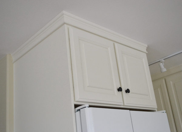 How deep should wall cabinets be for 24 inch upper kitchen cabinets