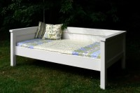 Ana White | Simple Daybed/Farmhouse-Bed-Hybrid - DIY Projects