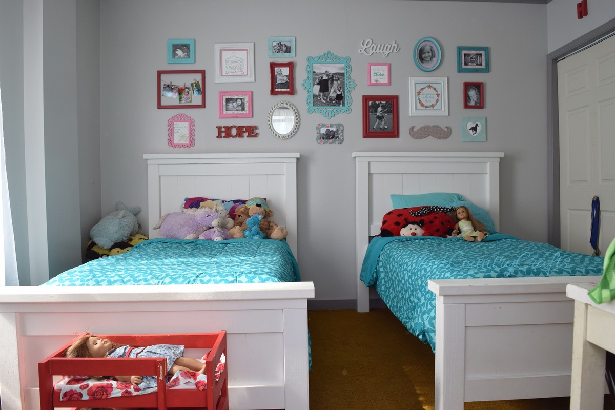 Ana White Twin Farmhouse Beds DIY Projects