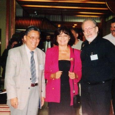 Congresul International PEN, Ohrid 2001, intre colegul norvegian si cel din exilul vietnamez