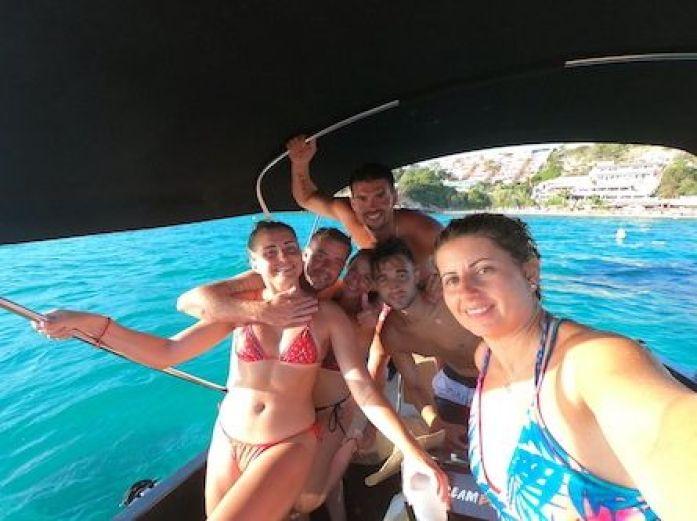 En el barco alquilado