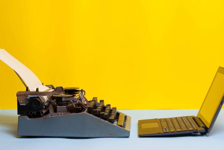 Da Li Je Bolje Objaviti Elektronsku ili Papirnu Knjigu?