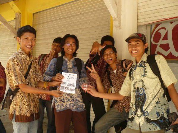 Pake batik via plat-m