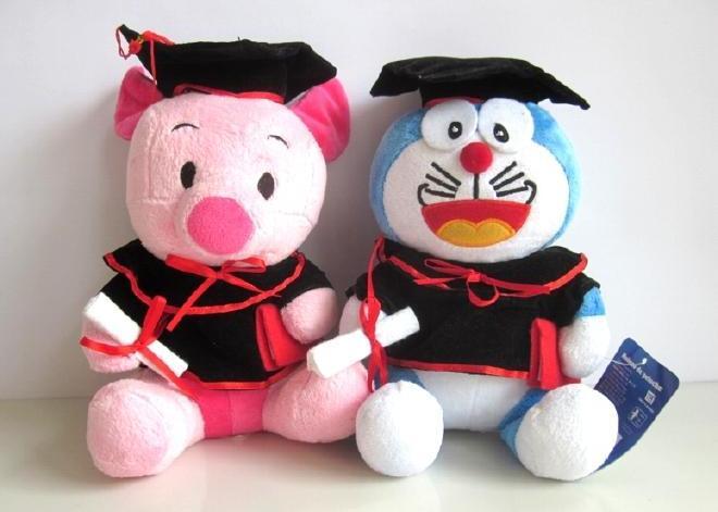 Sejak kapan coba, Doraemon sama Piglet belajar Hukum Perdata? (sumber: lagoric-hobby-toys.blogspot.com)
