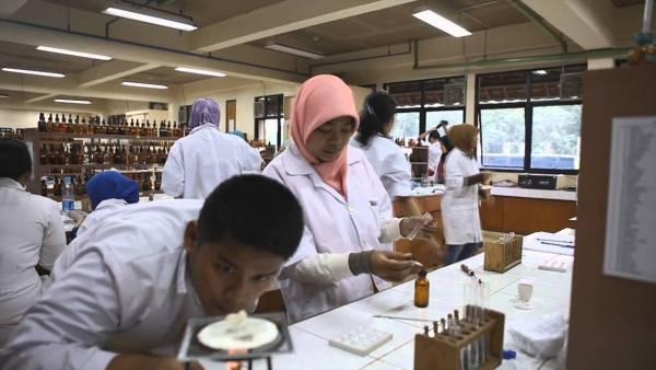 Apa saja yang dipelajari di Jurusan Farmasi? via Farmasi UI