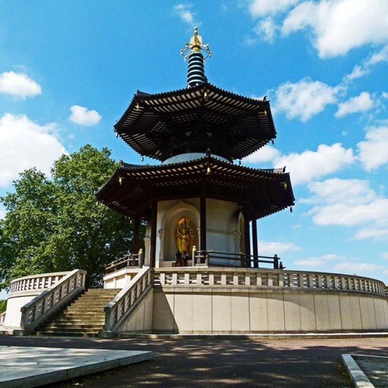 No hay muchas pagodas de paz construidas en Europa, pero ésta se ubica en Battersea Park en Londres