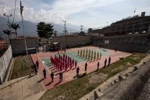 """Todavía siete centros penitenciarios de los 93 que existían en el país están bajo el antiguo régimen controlados por los """"pranes"""" aunque, según Varela, se encuentran ya en """"transición"""" Foto:EFE"""